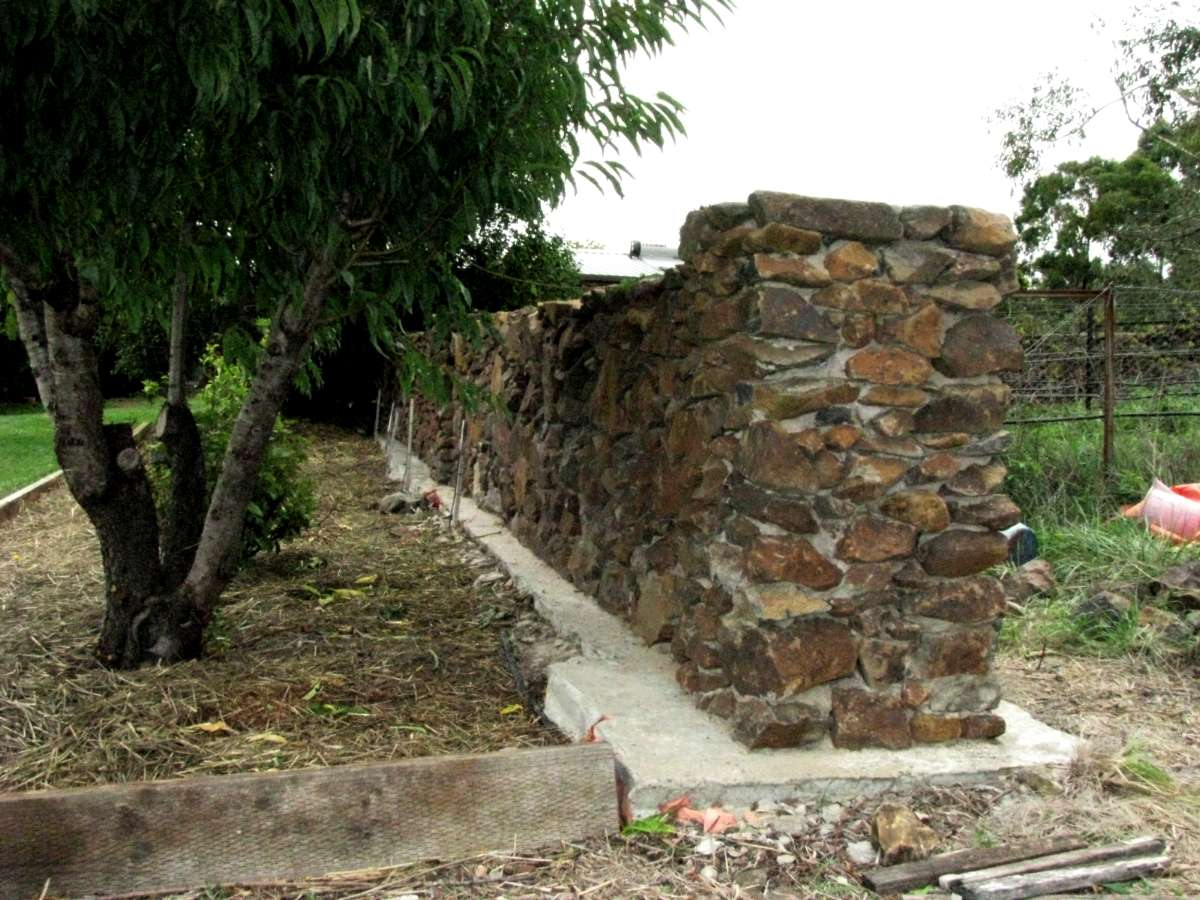 Building good looking stone walls