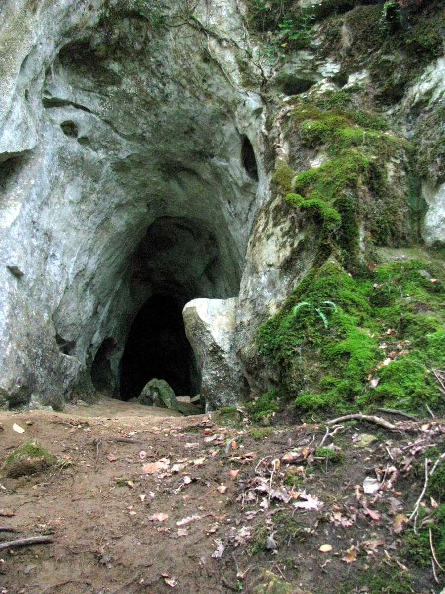 Germanic Warrior Bernifal Cave - Grotte...