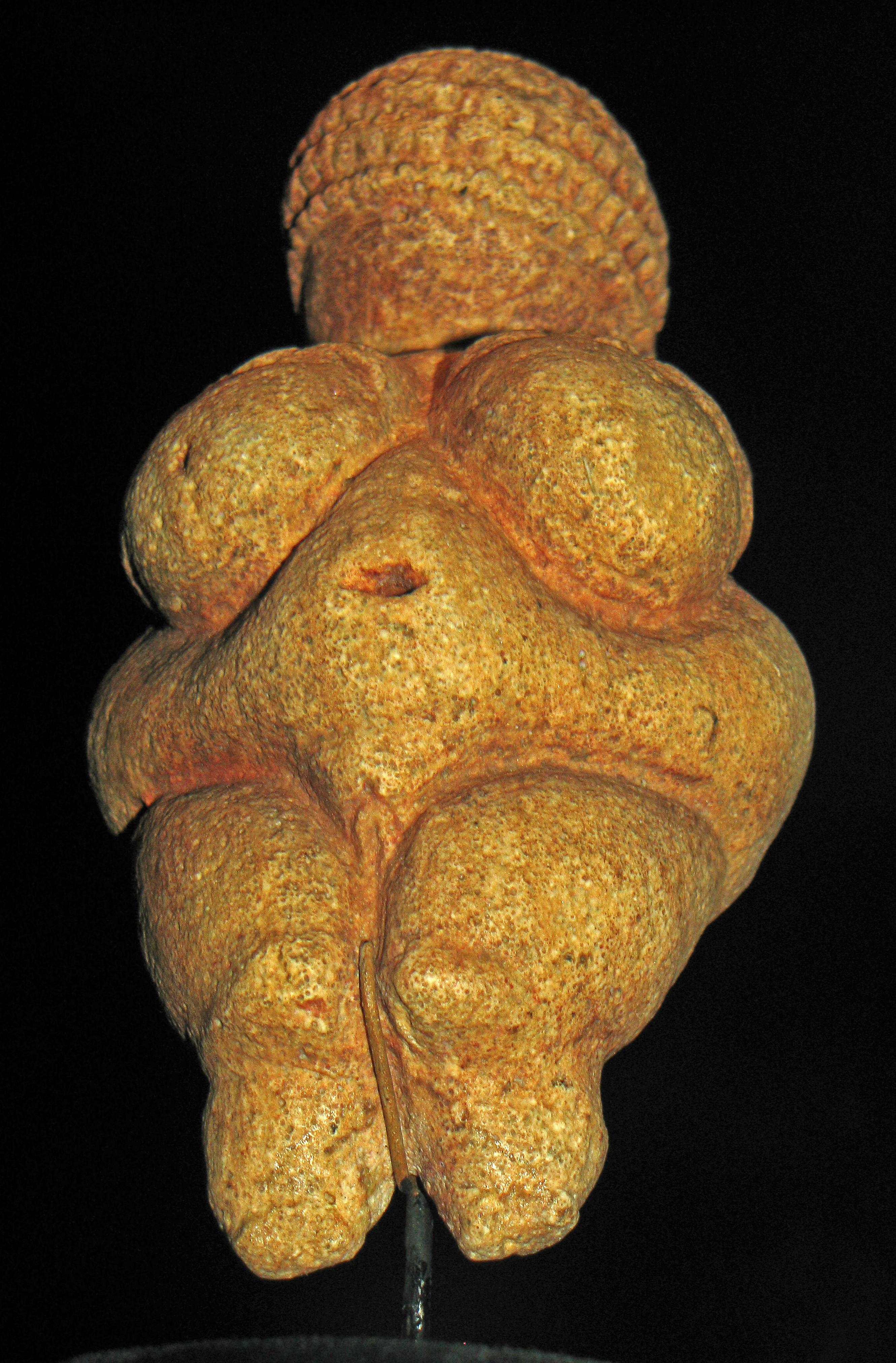 venus of willendorf Nude woman (venus of willendorf), c 28,000-25,000 bce, limestone, 4 1/4 high (naturhistorisches museum, vienna) created by beth harris and steven zucker.