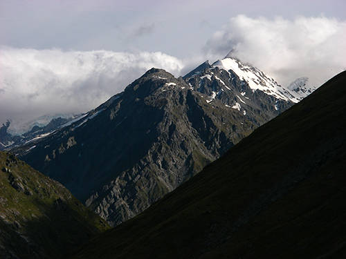 Mount Celebdil on the left and Mount Fanuidhol on the right.