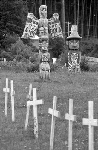 crosses and totem pole