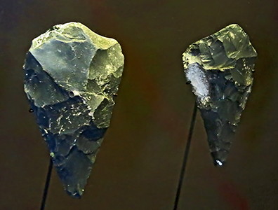 points or small hand axes